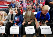 Trump boosts GOP gubernatorial candidate in Louisiana in rally with 'Duck Dynasty' star