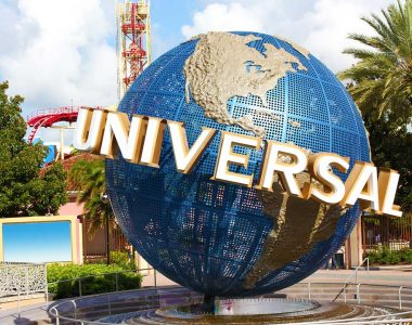 Retired police officer says Universal Studios temporarily denied him entry over T-shirt