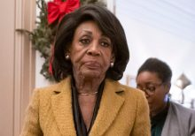 Maxine Waters says Trump will invite Putin to the White House if the Senate doesn't remove him