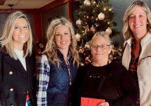 Wisconsin waitress gets $1,300 tip after valiant cancer fight alongside her sister