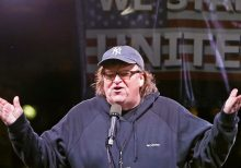 Michael Moore says Trump could win in 2020, Midwest support hasn't dropped 'one inch'