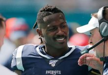 Patriots' playoff loss to Titans inspires social media posts – including from job seeker Antonio Brown