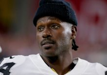 Antonio Brown has 'locked himself in' Florida home as police investigate battery incident: report