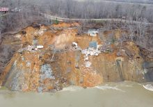 Tennessee landslide sends 2 large homes tumbling into rain-swollen river on video