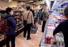 Coronavirus: How to stay safe during grocery store visits