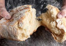 Celebrity chef Jamie Oliver shares 'basic bread' recipe using minimal ingredients