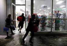 George Floyd unrest: Cities face new looting amid stronger National Guard response, curfews