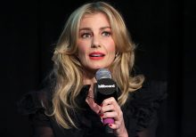 Faith Hill, a Mississippi native, urges state lawmakers to change its flag: It's 'a direct symbol of terror'