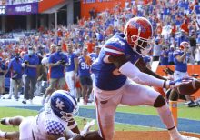 Trask finds Pitts for 3 TDs, No. 6 Florida tops Kentucky