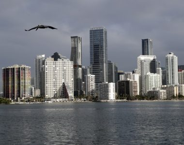 Miami Mayor Welcomes Disaffected From NY, California